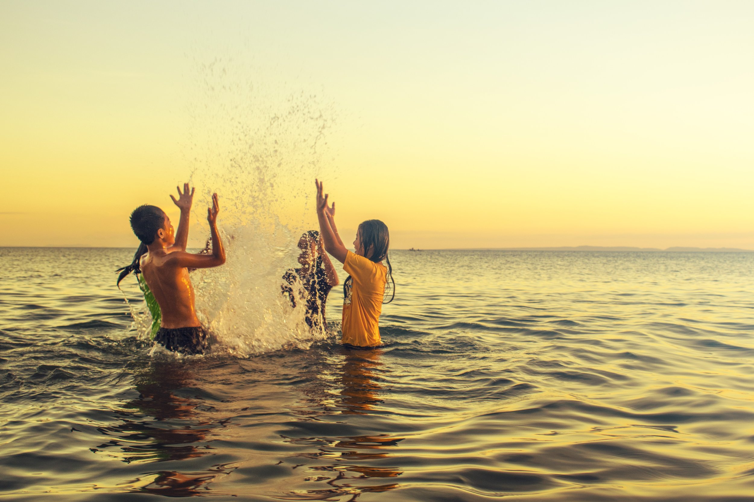 Help us reduce the risk of drownings in pools, rivers and lakes in Manitoba. - Each year, we learn that more and more people are losing their lives to water-related deaths. Manitoba has one of the highest rates of drowning in Canada per capita (Canadian Drowning Report, 2016 Edition - Lifesaving Society).