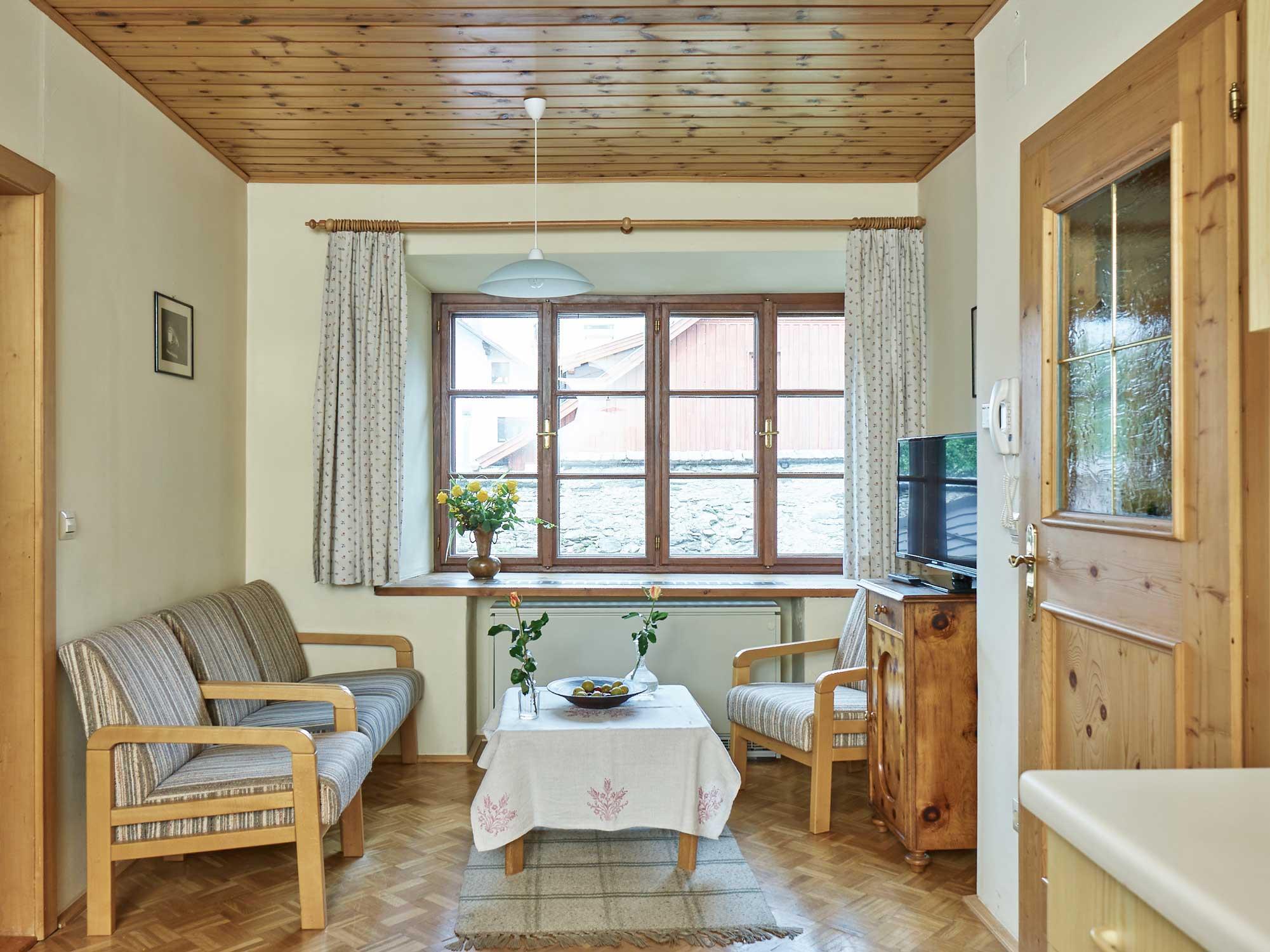 apartment-gartenlaube-wohnzimmer.jpg