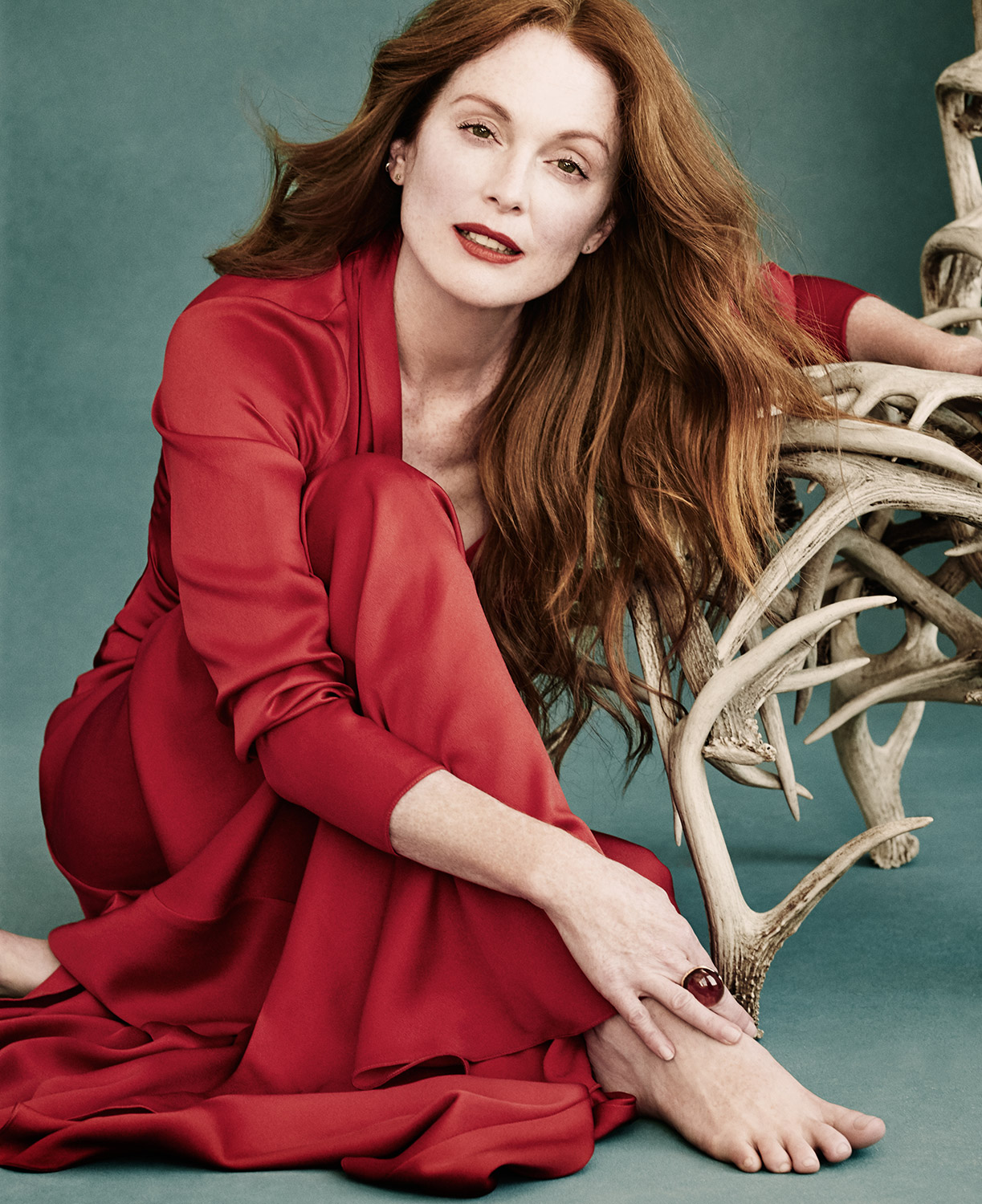 06-JULIANNE-MOORE.jpg