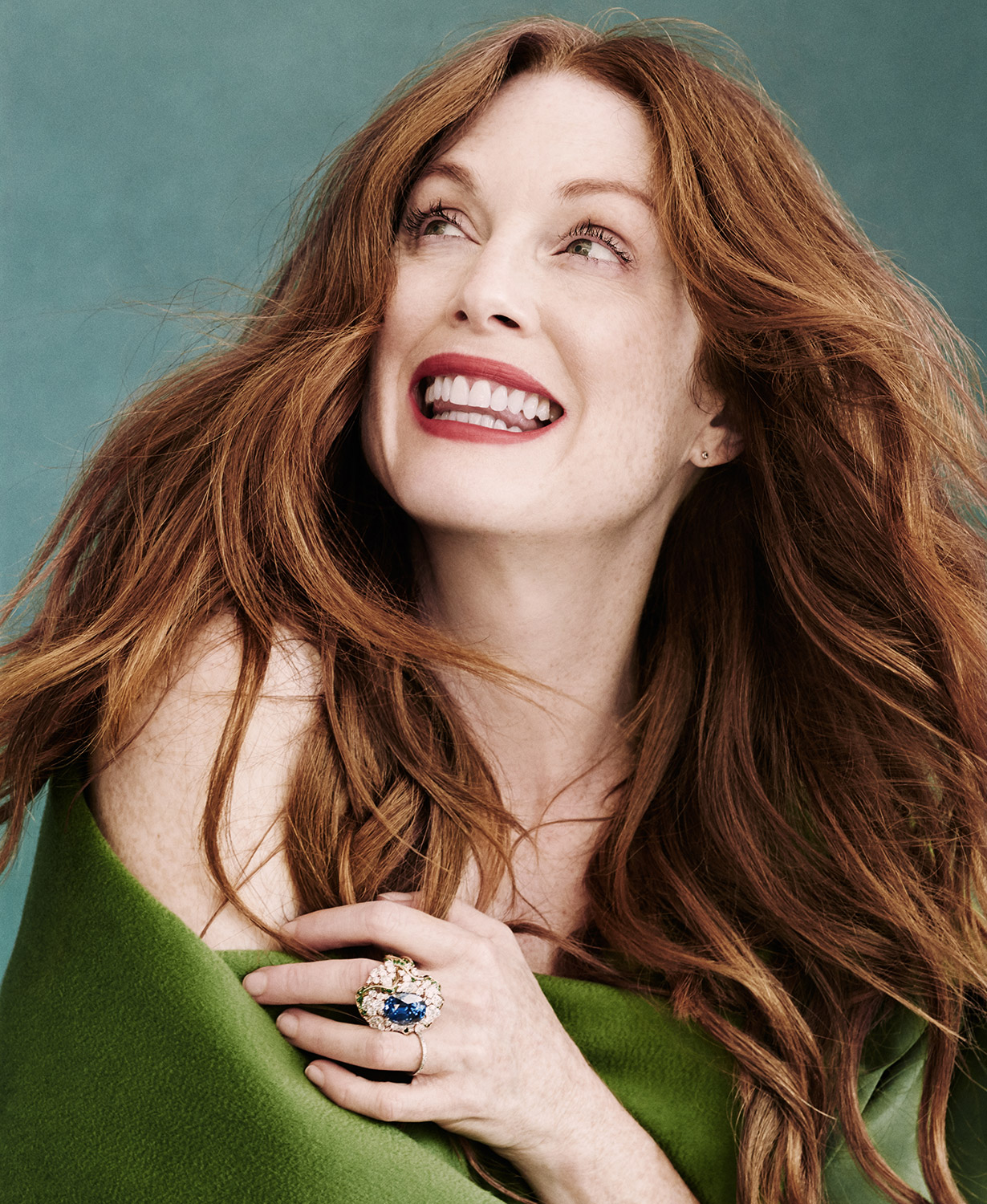 05-JULIANNE-MOORE.jpg