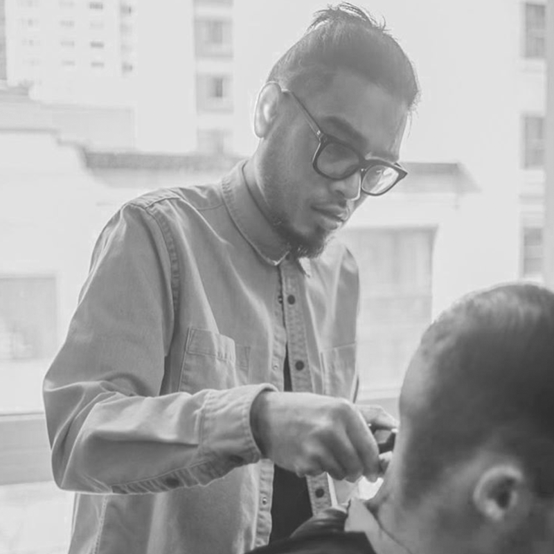 la_section_barbershop_montreal_2.png