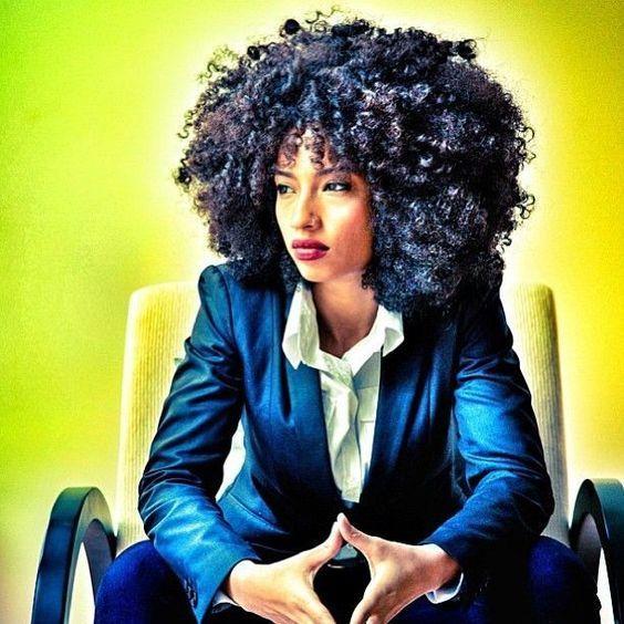 from  http://www.etiquettekeys.com/2017/12/09/dress-for-respectgirl-bosss-guide-to-business-casual/