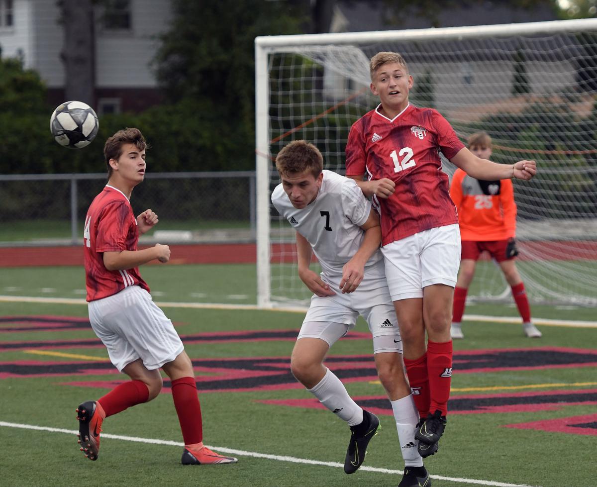 Lutheran_North_Soccer (11).jpg