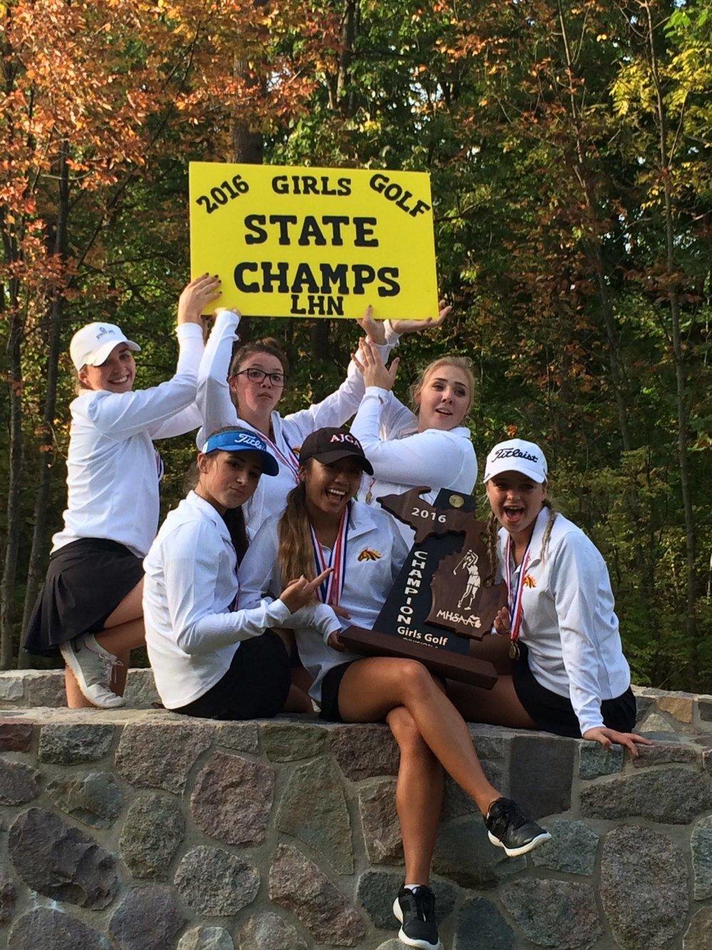 Lutheran_North_Macomb_Michigan_Golf_Girls_Champions_Coach_Laurie_Gill+(3).jpg