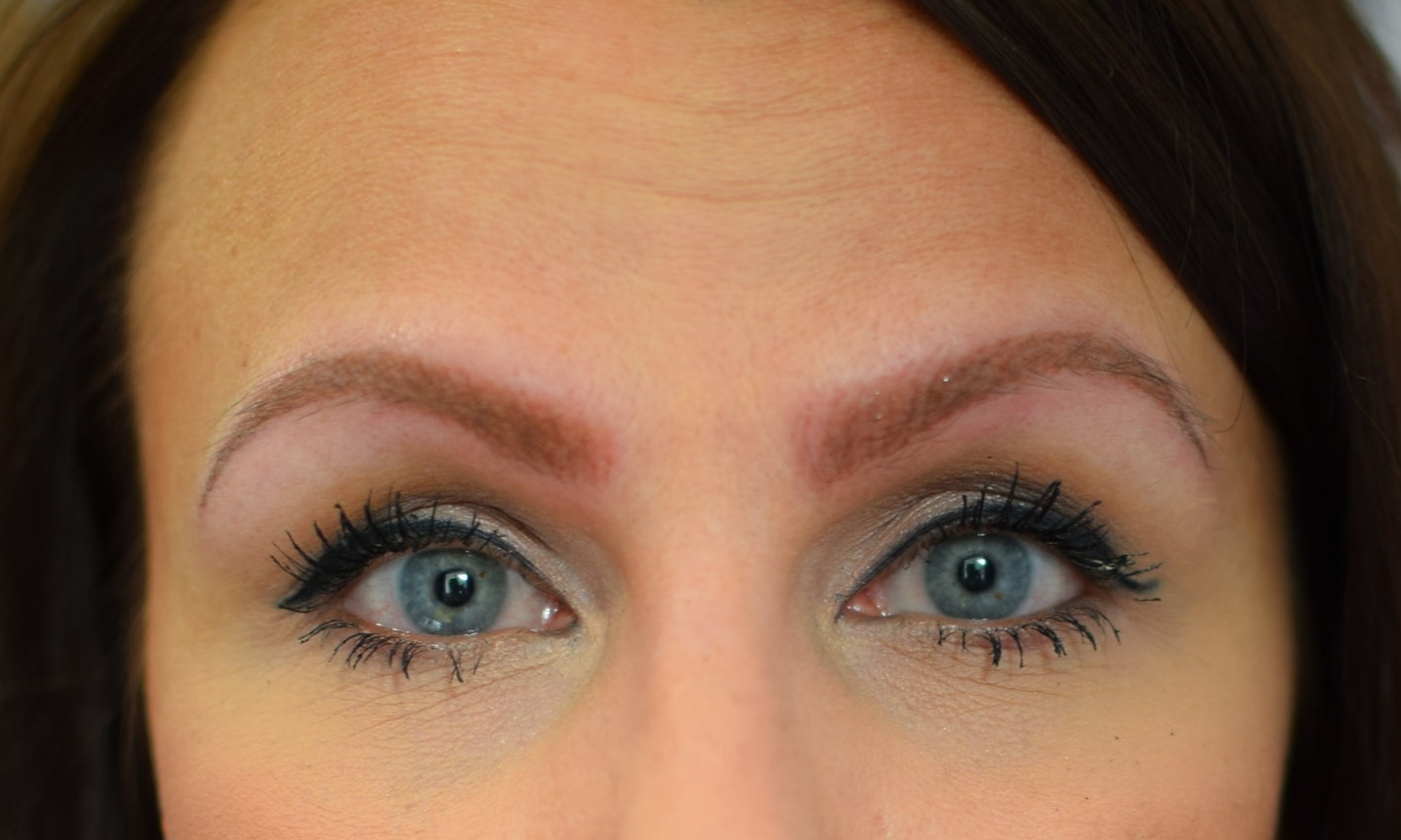 - Prefer the coverage make up gives your brows? Then powder brows may be for you.Using a hand held digital tattoo machine soft colour shadow is added to the brow. Ombre effects can also be achieved this way, meaning a lighter shade towards the front of the brow. Results last approx 18-24+ months.Who is it best suited to?- All Skin types and ages- Those who want a more 'made up' look- Those with sparse brows from over plucking- Alopecia or Chemotherapy patients- Those who want to long lasting results- Those who want more coverage or just colour behind already full brows