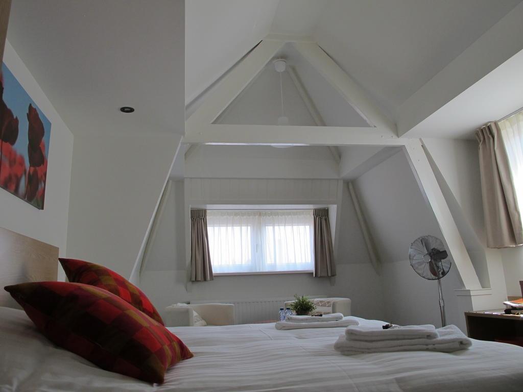 Hotel Ambassador4.jpg