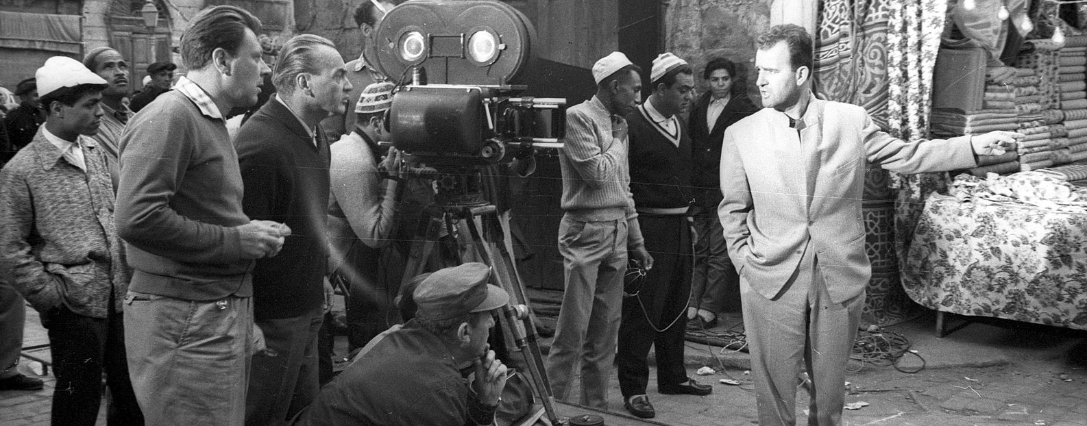 Filming,_movie_camera_Fortepan_93266.jpg