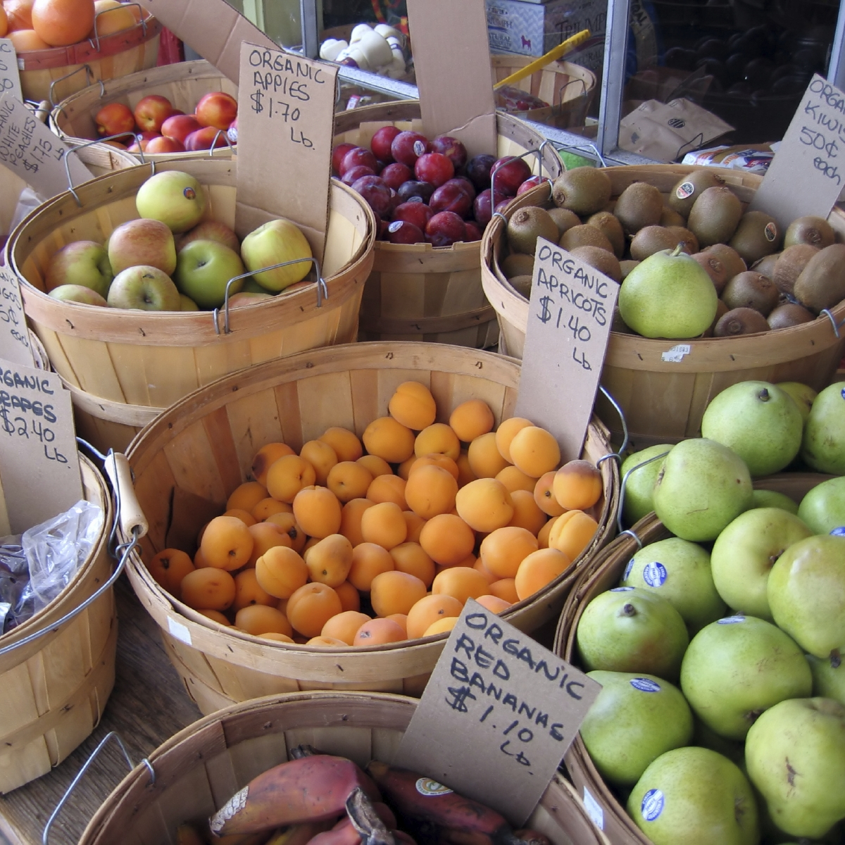 Silverlake Farmer's Market / Whole Foods 365 / Trader Joe's / Yummy.com / Gelson's Market / Leticia's Mini Market / Cheese Store of Silverlake -