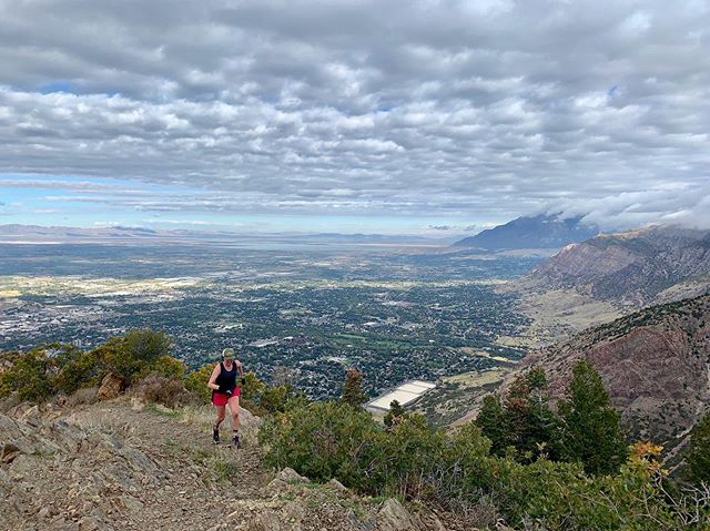 Utah Adventure Day 1: Malan's Peak 6 miles ~ 2,400 ft of climbing and got to hang with new lady friends @crazy_mother_runners 🏃🏽♀️👏🏼🏔 Now lots of snacks and onward to Zion! 🙌🏼 #roadtothemightyfive #zionnationalpark #jayandsarautahadventure