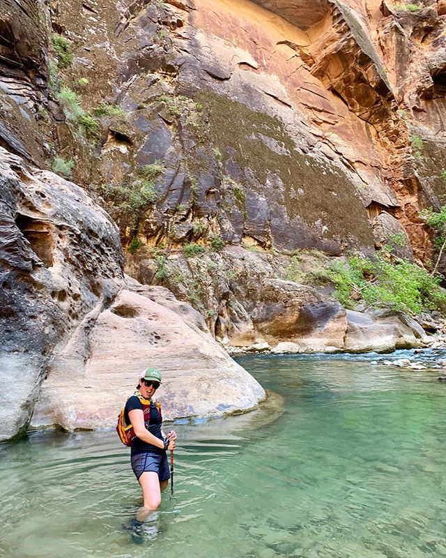 Day 3 Utah Adventure: 11 miles into the Narrows in #zionnationalpark the weather was so hot and the freezing water healed all our tired legs. It was gorgeous to take a day to do road and then adventure a few miles up the river. The water was emerald green, red rocks and blue skies! Best. Run. Day. Ever.