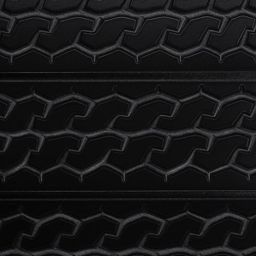 STX tire tread cu_square.jpg