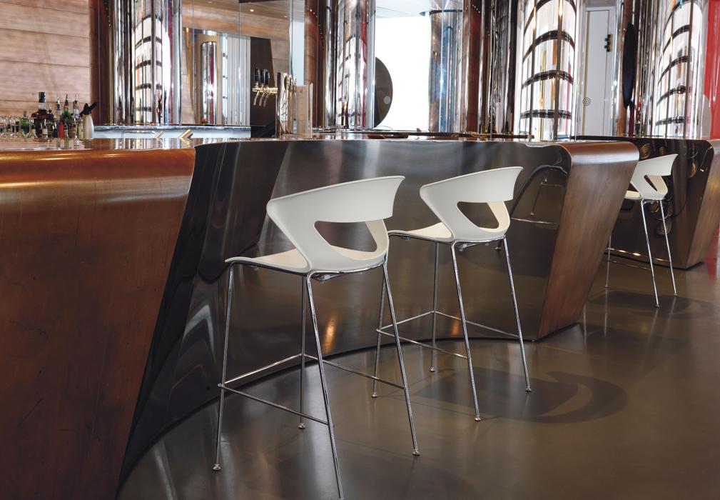 KICCA-13 stool resturant bar.jpg