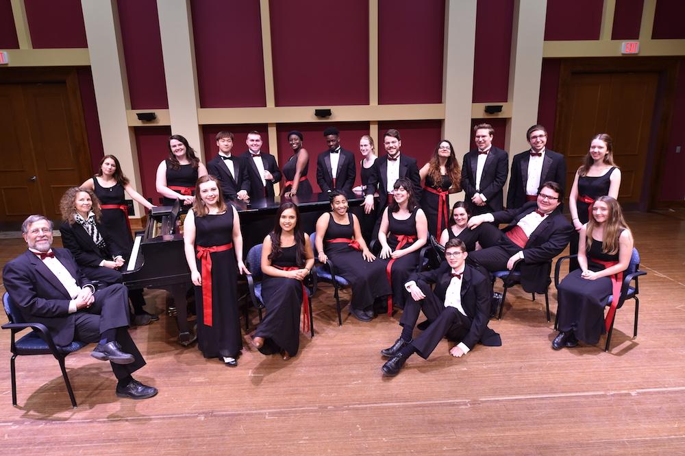 Laurentian-singers.JPG