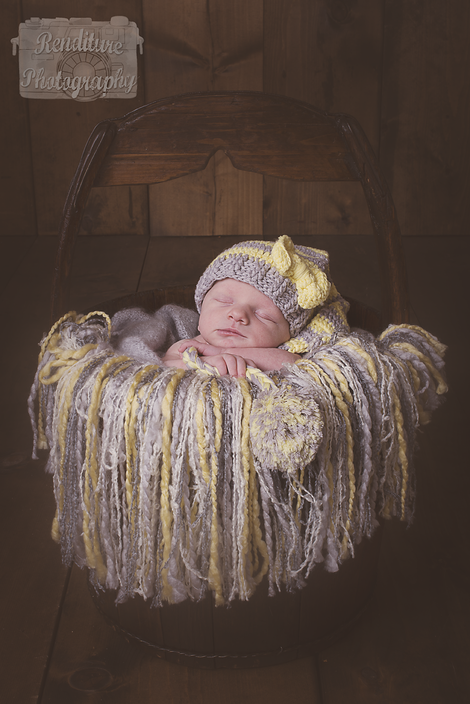 Saskatoon-Newborn-Family-Renditure-Baby-Photography-Photographer-Maternity-Pregnancy-Saskatchewan-160mFBR.png