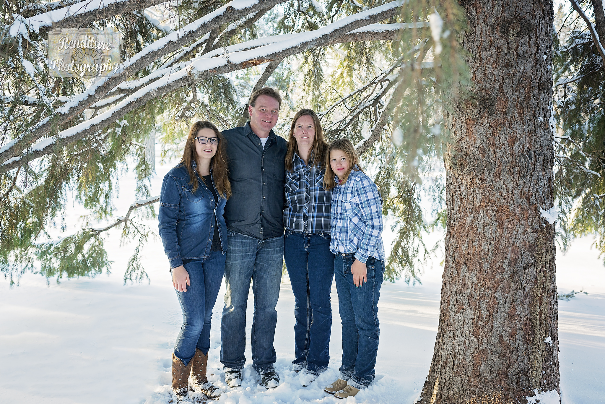 Saskatoon-Newborn-Family-Renditure-Mini-Session-Photography-Photographer-Christmas-Holiday-Saskatchewan-471 FBR.jpg