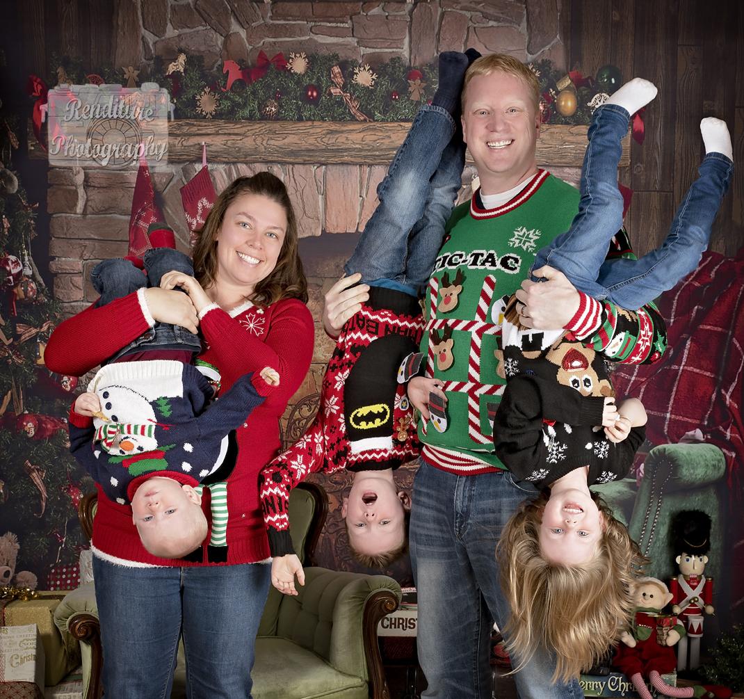 Saskatoon-Family-Renditure-Mini-Session-Photography-Photographer-Christmas-Holiday-Saskatchewan-473 FBR.jpg