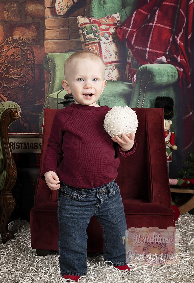 Saskatoon-Family-Renditure-Mini-Session-Photography-Photographer-Christmas-Holiday-Saskatchewan-475 FBR.jpg