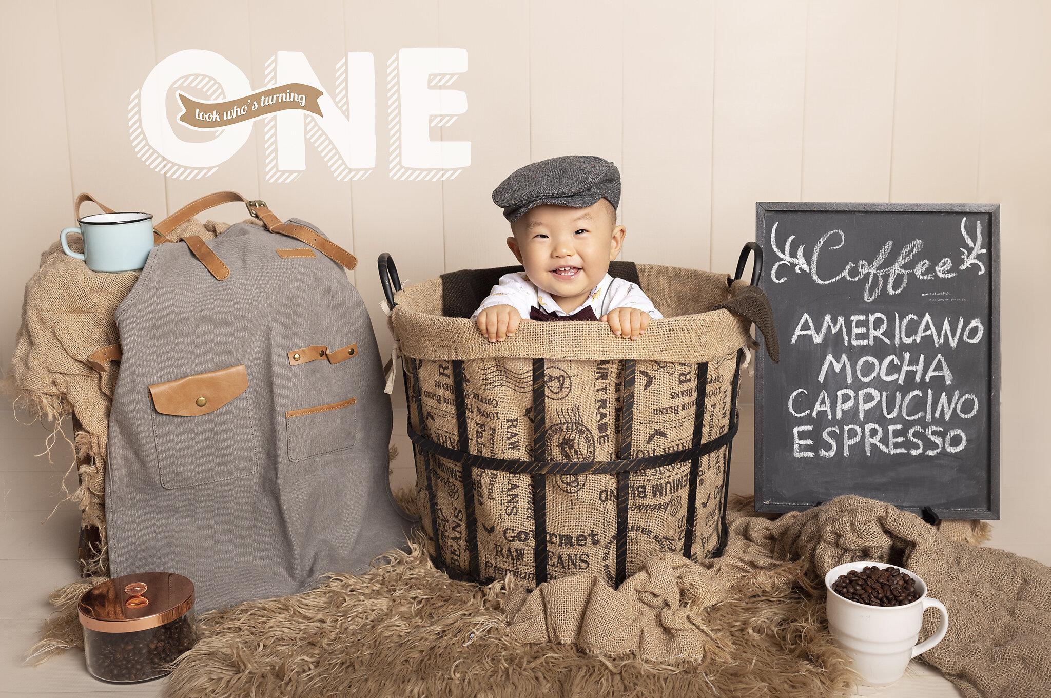 Saskatoon-Newborn-Family-Renditure-Mini-Session-Photography-Photographer-Maternity-1st Year-Cake Smash-Saskatchewan-502FBR.jpg