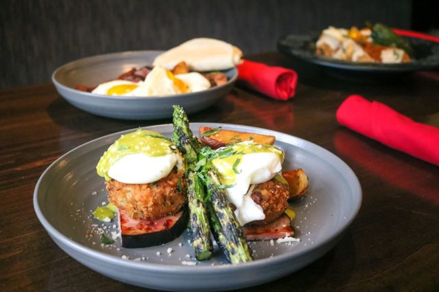 Sunday scaries have you feeling crabby?   Our crab cake benedict is the cure. Don't be shellfish, bring your friends.     #zocalokc #plazakc #kcmo  #igkansascity #kansascity #igkc #instakc #mexicanfood #foodie #kcplates #kceats #brunch #sundayscaries #brunchtime #kclocal #feedfeed #brunchfood