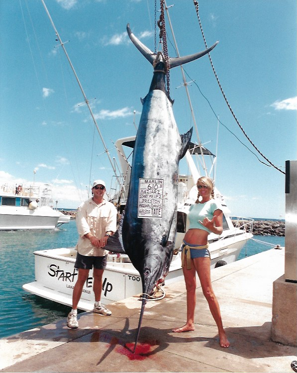 610lb-blue-marlin-lahaina-harbor-maui
