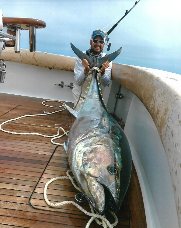 giant-bluefin-tuna-kitefishing-capecod