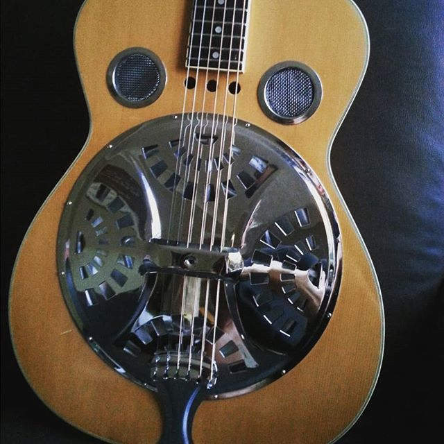 Answered an ad on kijiji and discovered it was posted by the one and only Rick Steeves! :) New to my collection is this 1970s Alcivar resonator re-strung to play lefty. Couldn't be happier...this thing sings with glass or steel slide :) :) New old guitars for the win