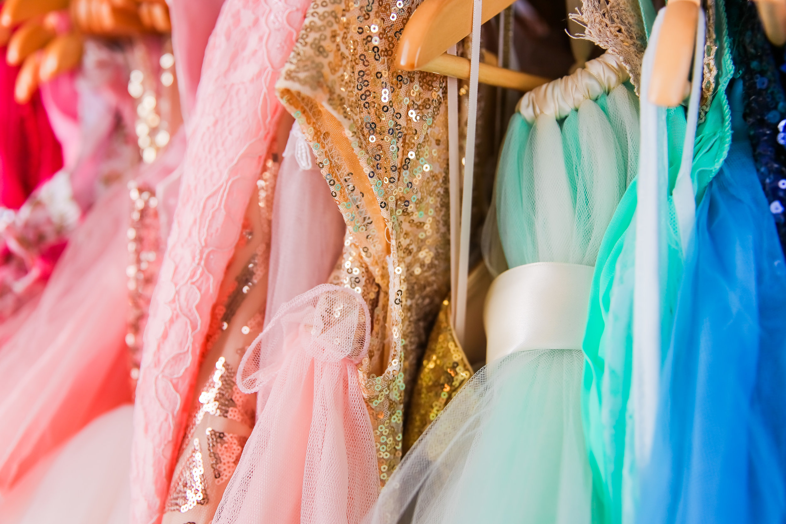 We have hundreds of couture & stunning dresses for all our Clients to use at their gorgeous sessions!