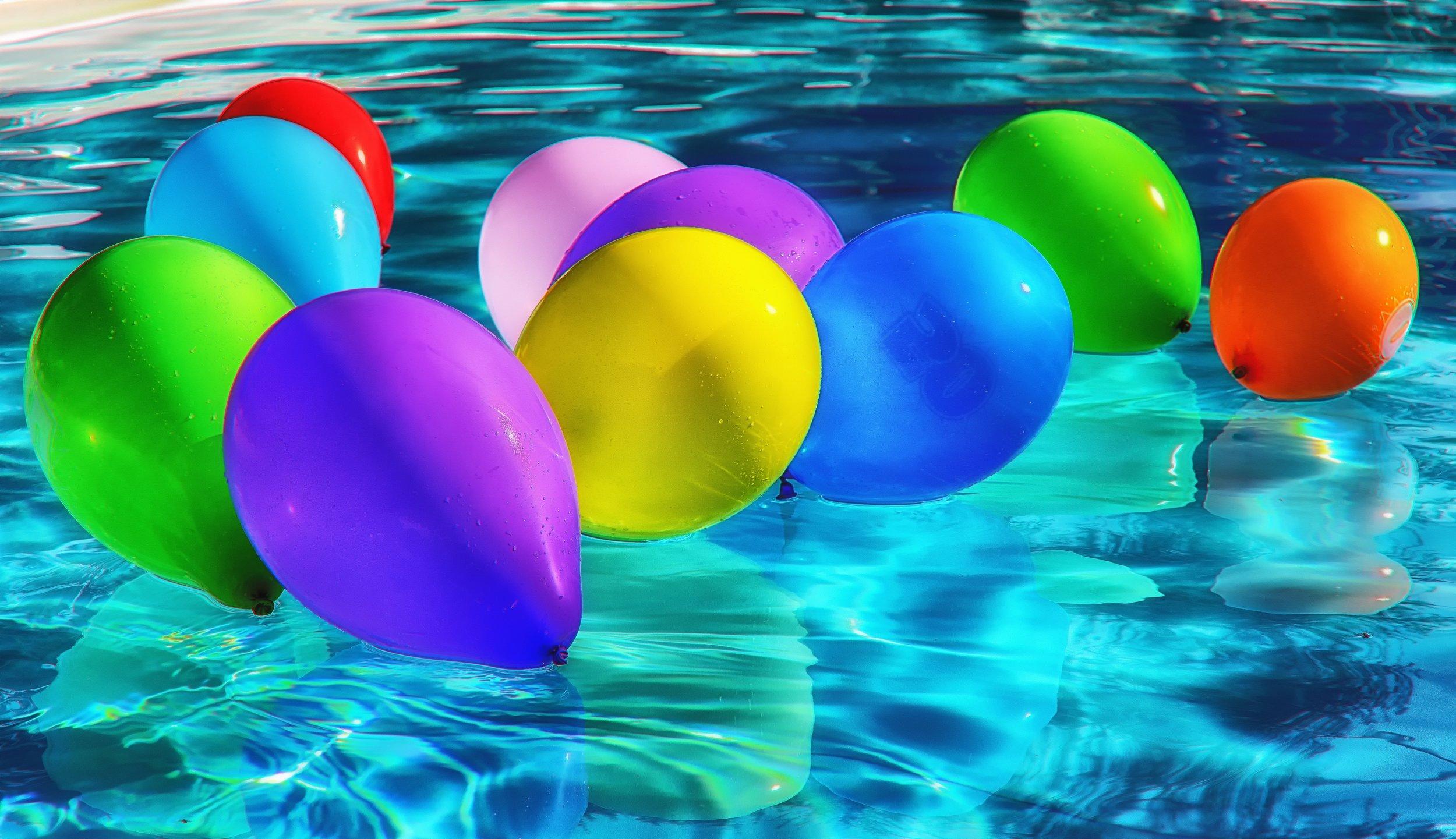 abstract-art-balloons-221361.jpg