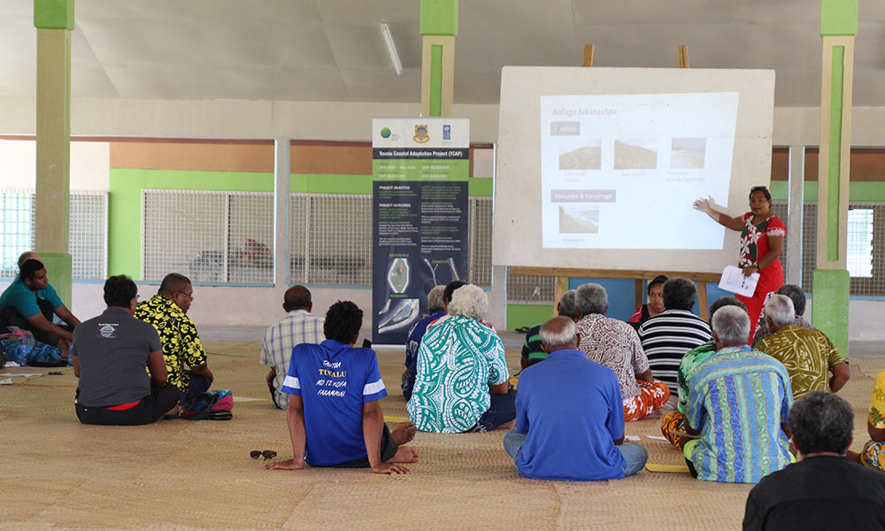 TCAP team members visit Nanumea Island for consultations on the project. Tuvalu, Nov 2017. Photo: UNDP/Jone Feresi