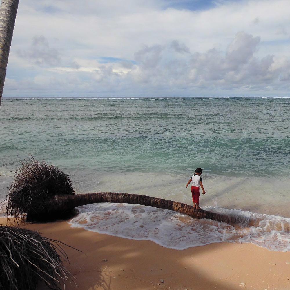tile-girl-at-beach-tuvalu-1000x1000.jpg