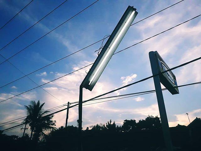 #roadtrip for #featurefilm  #cinematic #streetlamp