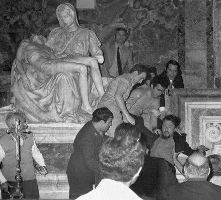 "Laszlo Toth immediately after vandalizing Michelangelo's ""Pieta,"" May 21 1972"