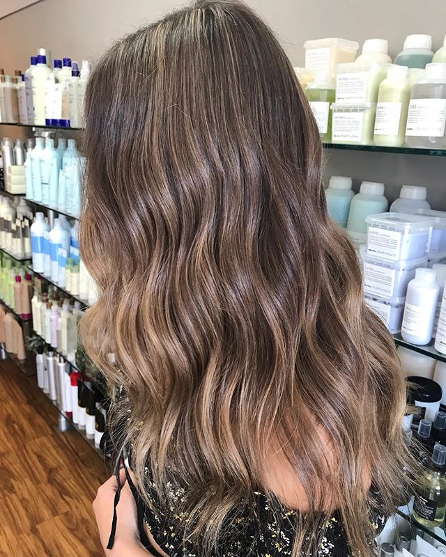 Lowlight/highlight✨ by @ellen_oquendo #simplicityconcord #intownconcord #visitcincord #603hair #concordnh