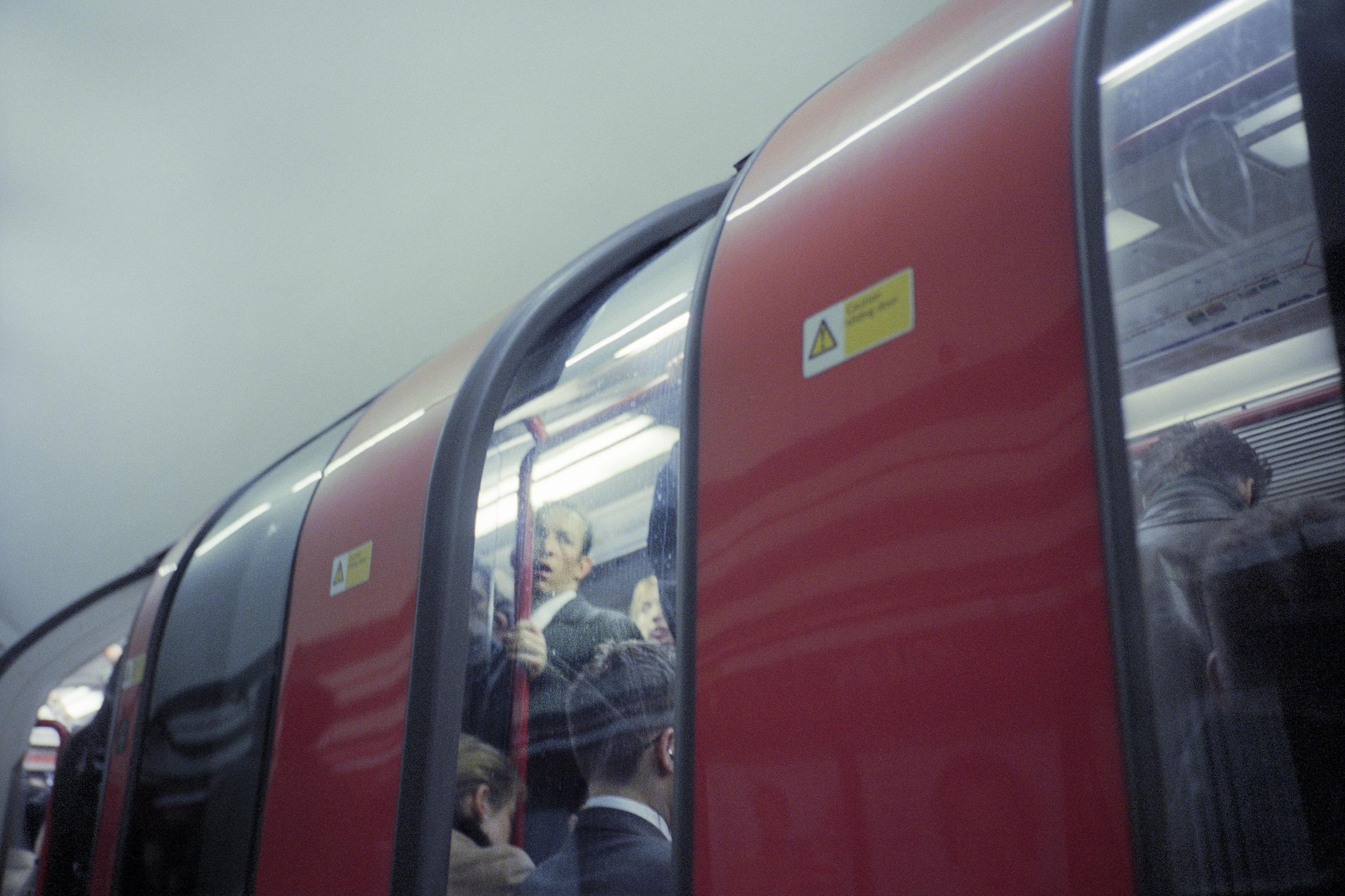 """© Katrin Ribbe, """"London Tupe #05"""", 2006"""