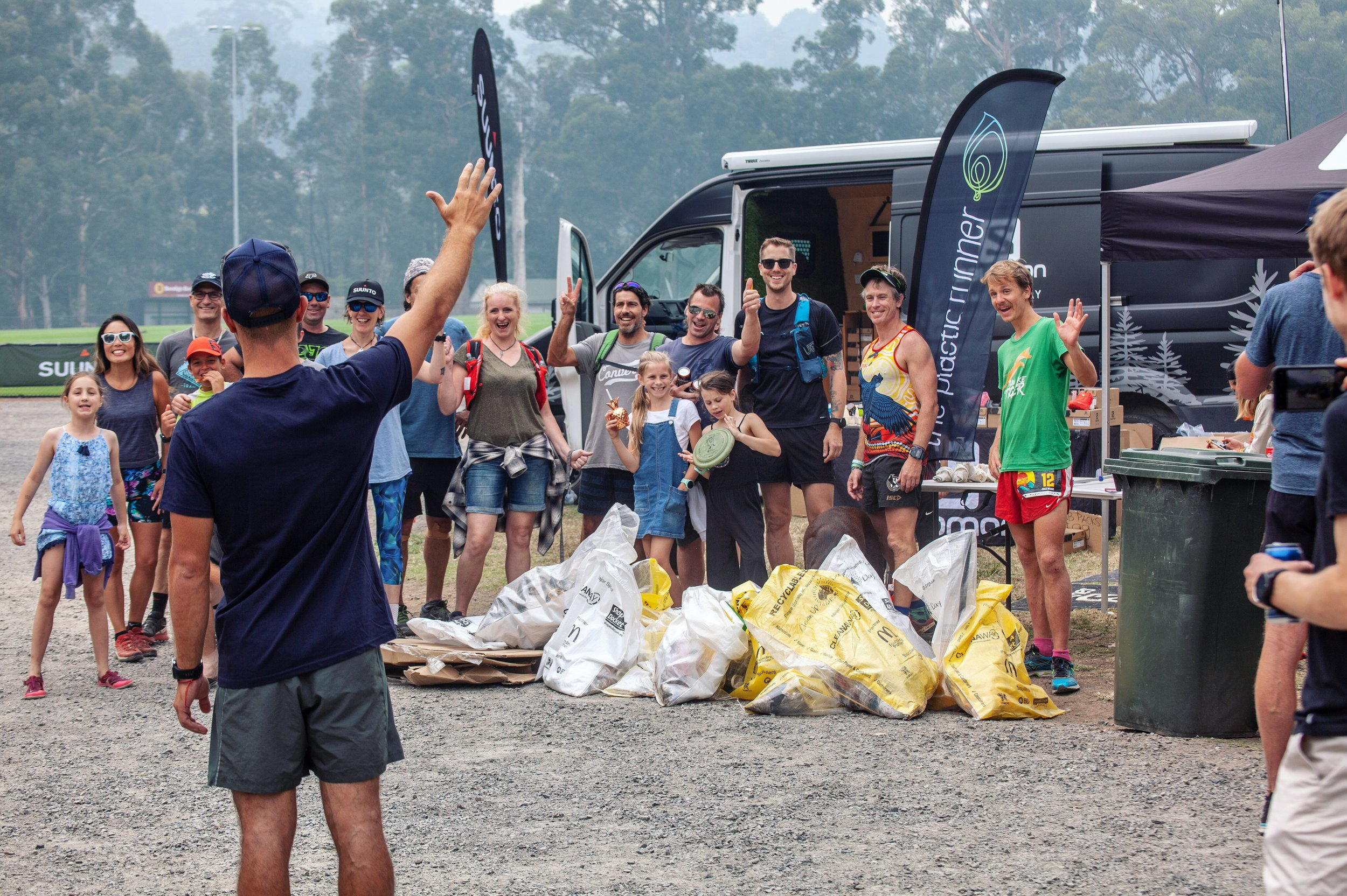 Nick from the Salomon team waving to our happy ploggers!