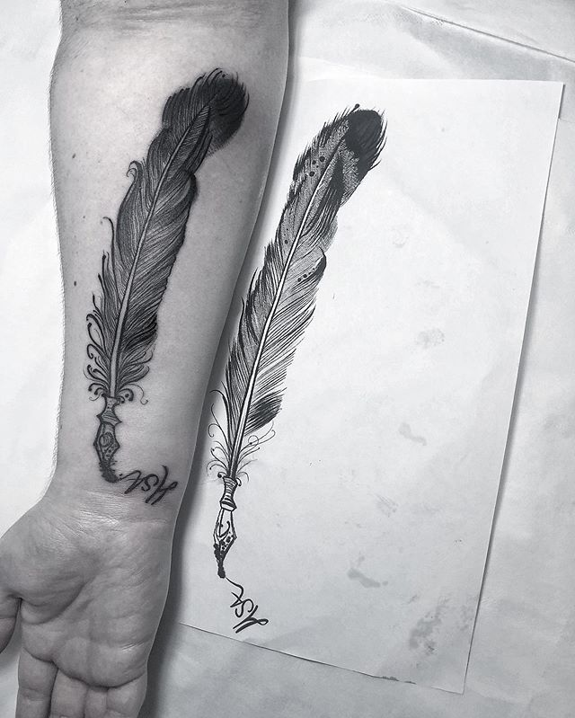 ZOOM IN FOR DEETS . Hello beautifuls! How are you? . Do you like fine line tattoos? . Blackwork feather for @jodimay15 - and my first Stockport tattoo. Thank you for coming all the way from Lancaster. Can't wait to hear about your books! . One more place left for a discounted day rate - that's £240 for 5 hours. . Blackwork/nature/ornament/goth/weird . DC 👻
