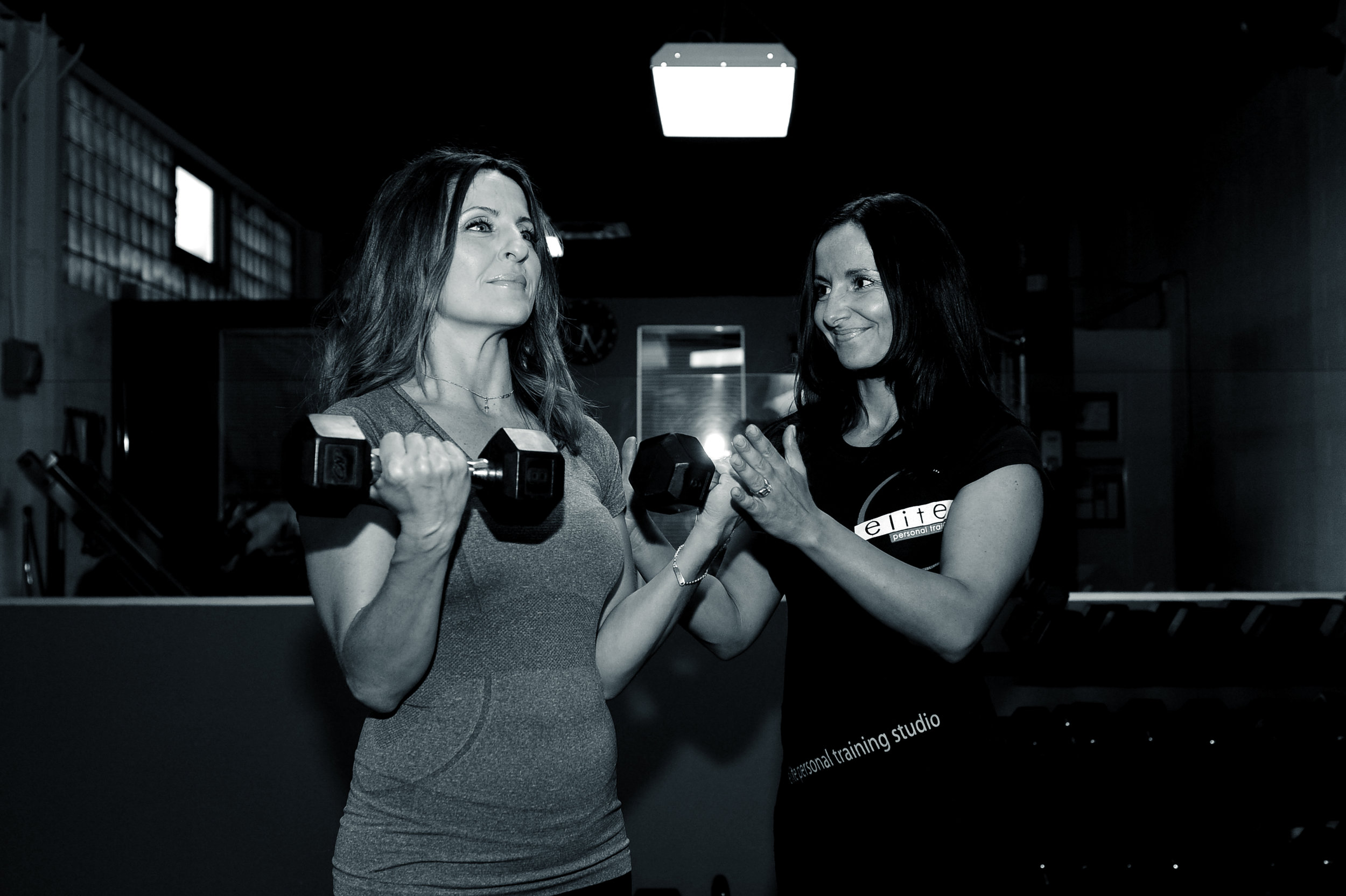CERTIFICATIONS• Certified Personal Trainer,Canadian Assoc. of FitnessProfessionals• Nutrition & Wellness SpecialistCanadian Assoc. of FitnessProfessionals• BOSU Trainer Twist Conditioning• CPR• AED• FIRST AIDSPECIALTIES• Strength & Conditioning• Nutrition• Pre-Natal / Post-Natal Fitness• Pre-Natal / Post-Natal Nutrition• Weight Loss & WeightManagement• Sport Specific• Core Training -