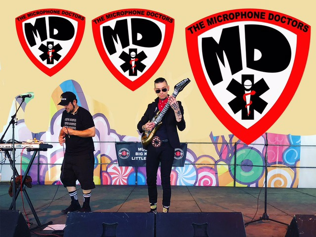 The Microphone Doctors are a San Diego Music award nominated high energy novelty hip hop/rap band. Learn more about singer, songwriter and children's book author Danny here https://youtu.be/Pip7ht45YXYMike Smiley Costello is a multi instrumentalist for The Microphone Doctors and San Diego alt band One I Red. - The Microphone Doctors @3Pm