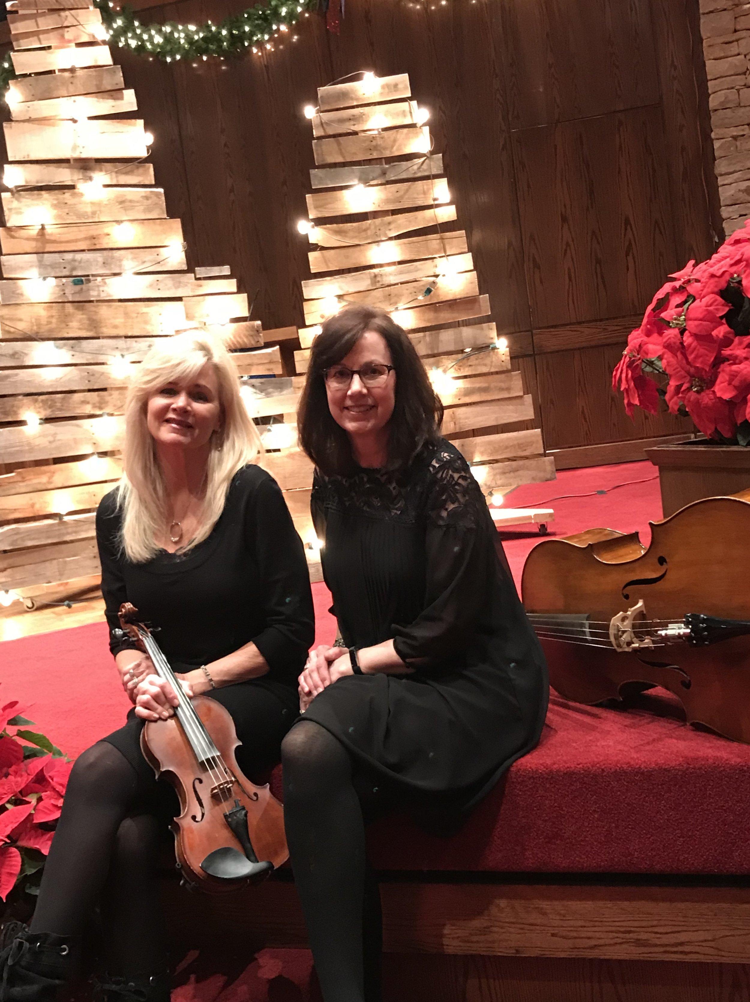Sisters & Strings - Christmas 2017.JPG
