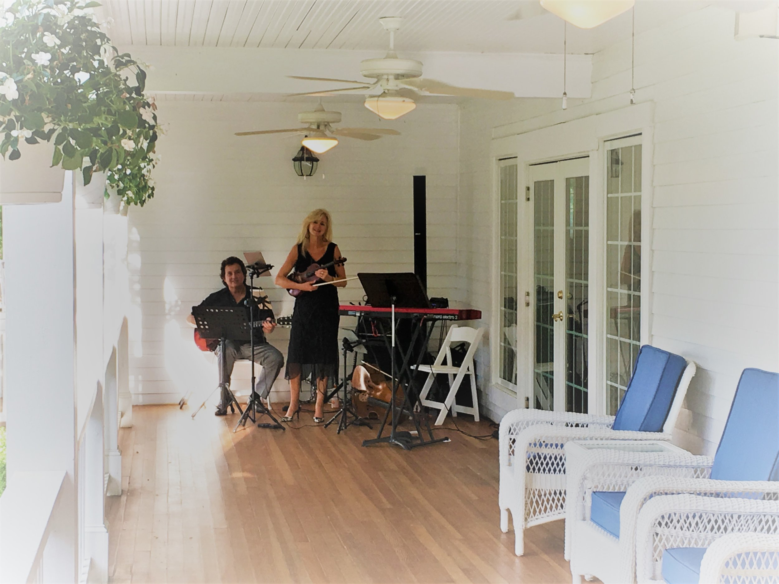 Sisters & Strings - Hawthorne House reception.jpg