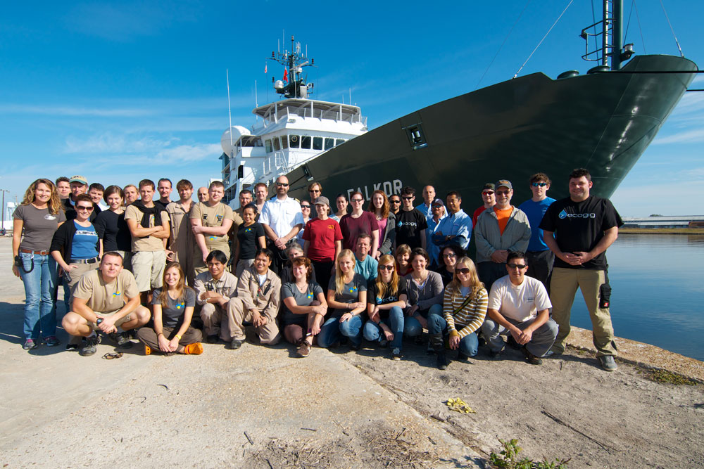 The entire shipboard party aboard the R/V Falkor. It takes much more than the twelve scientists aboard to operate successfully. (Image by Debbie Nail Meyer, Schmidt Ocean Institute)