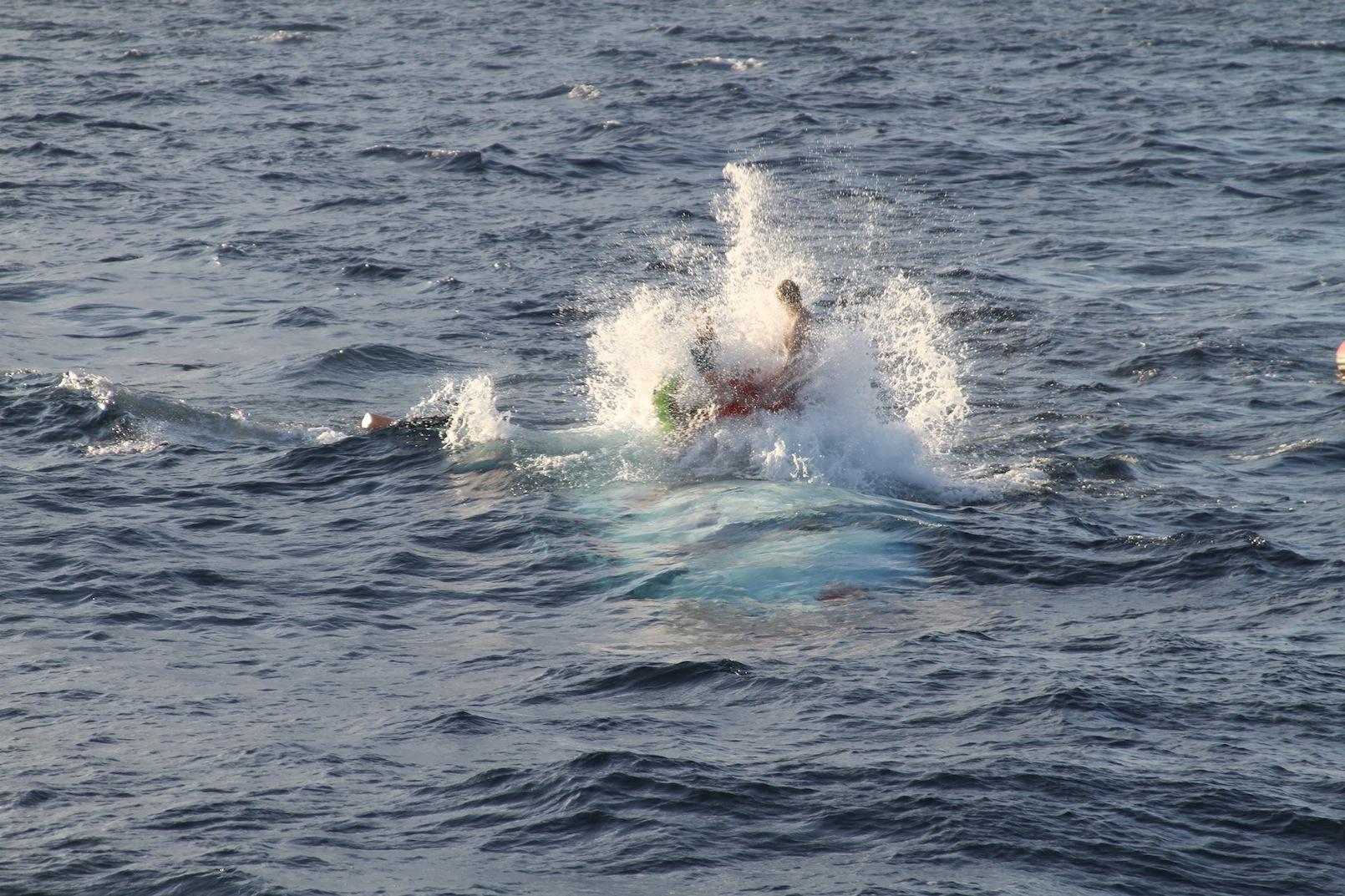 8-Alvin_rough_seas.JPG
