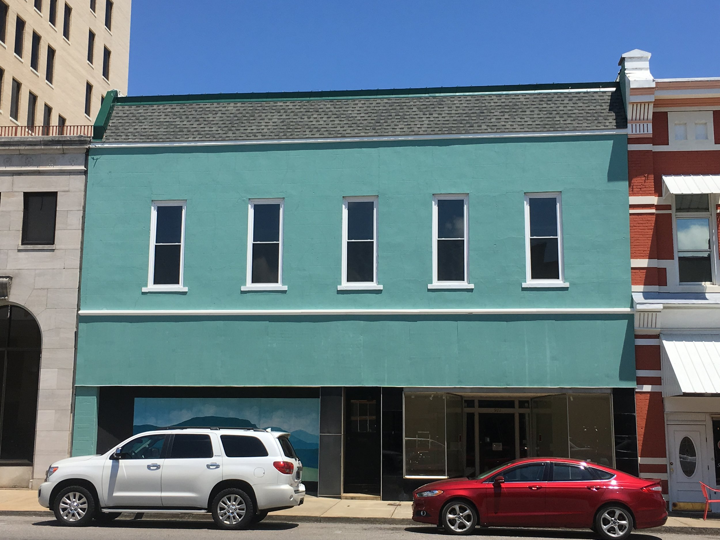 921 Noble Street - Year Built: 1920Sq. Ft.: 2,520