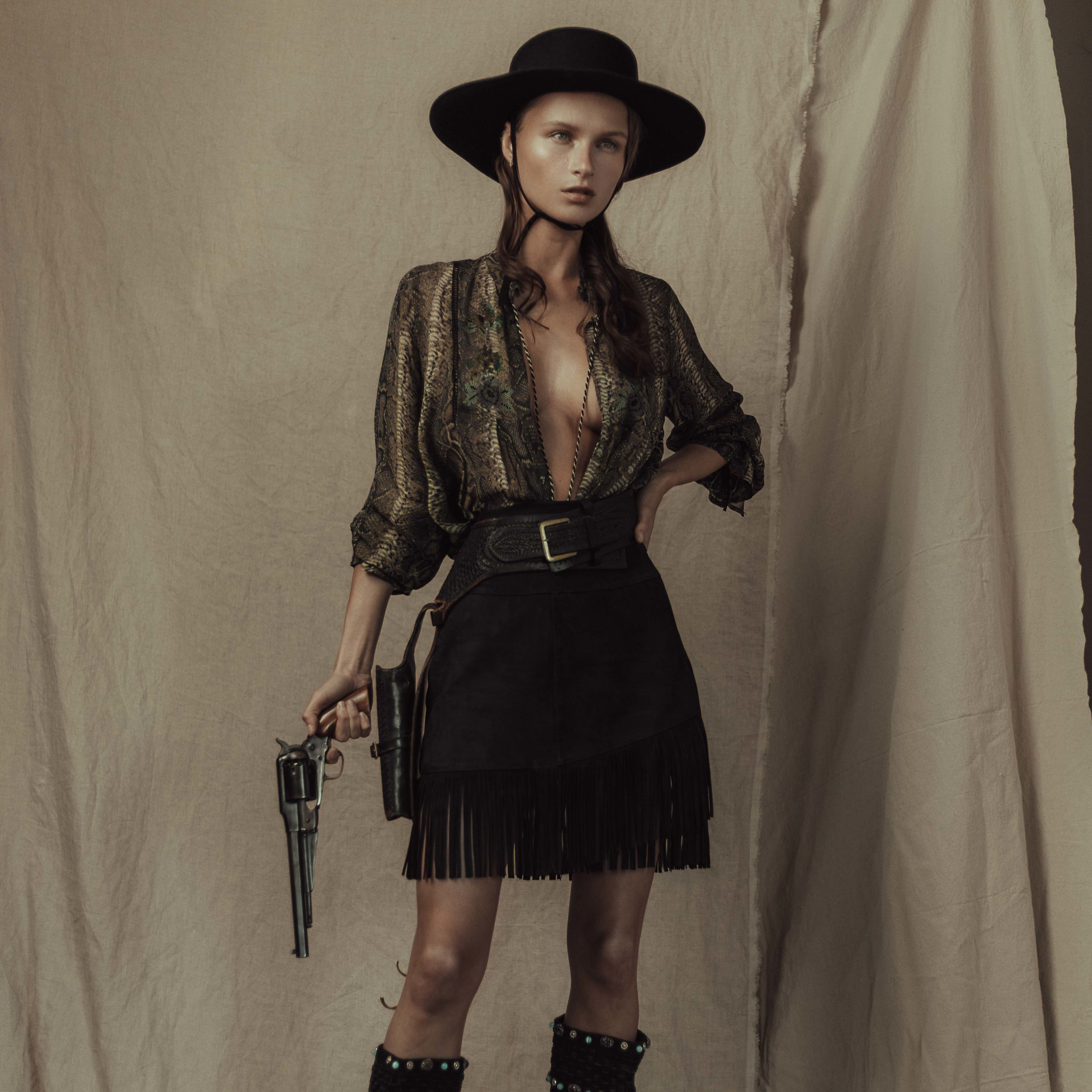 """""""Lone star"""" for ellements mag - A kick ass series by Rex Yu & Team for Ellements Magazine! Full of western flare this is a series you do't want to miss!Check It Out!"""