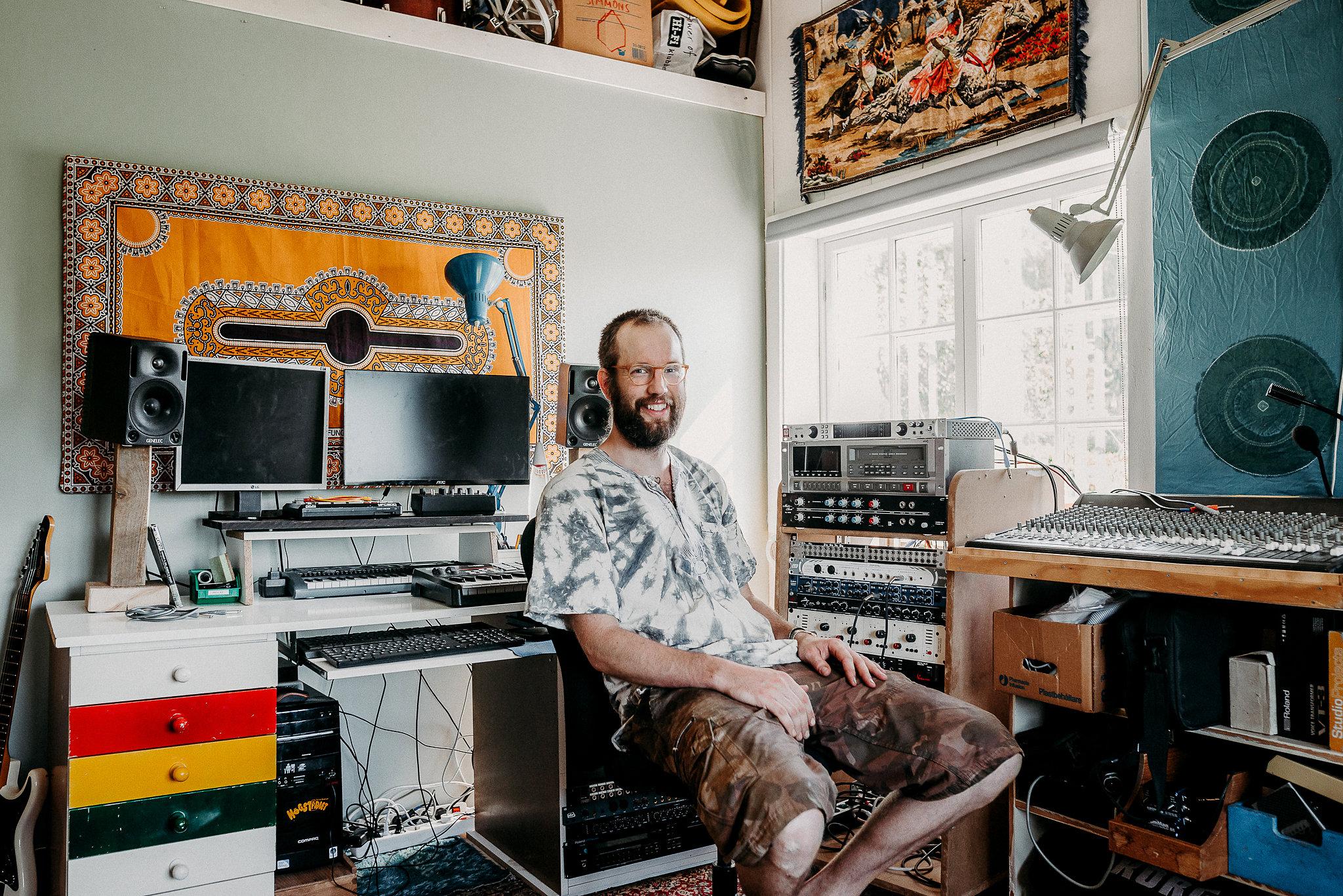 studiobild viktor profilbild.jpg