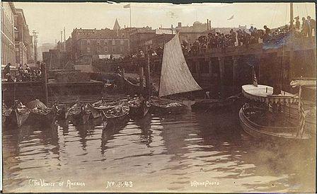 448px-Washington_edu_Waterfront_w_moored_Indian_canoes_Seattle_c_1892_NA897.jpg