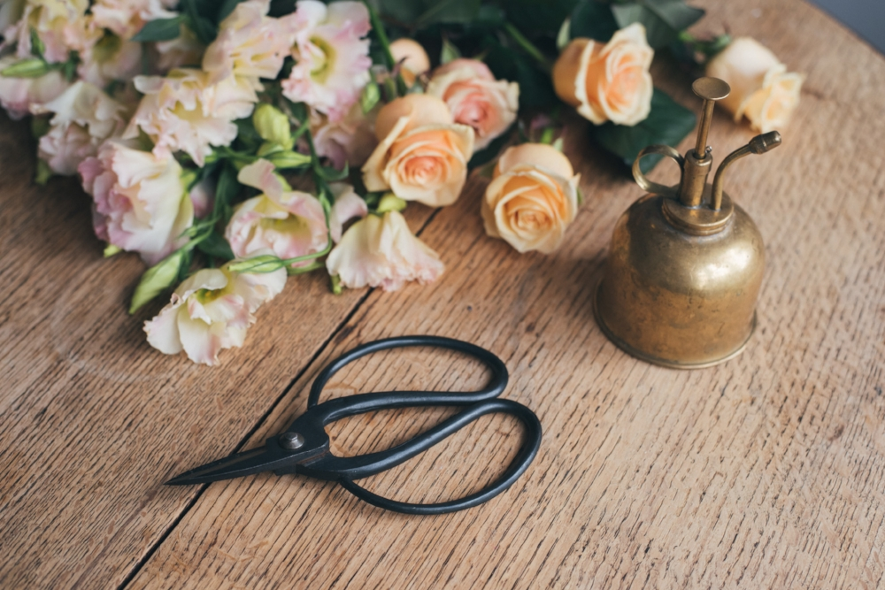 It's also a good idea to keep your scissors clean from flower bits and bobs.