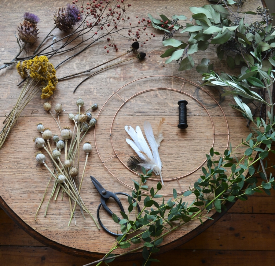 How-to-make-an-autumn-wreath-webb-and-farrer-brighton-flower-workshop (22).JPG