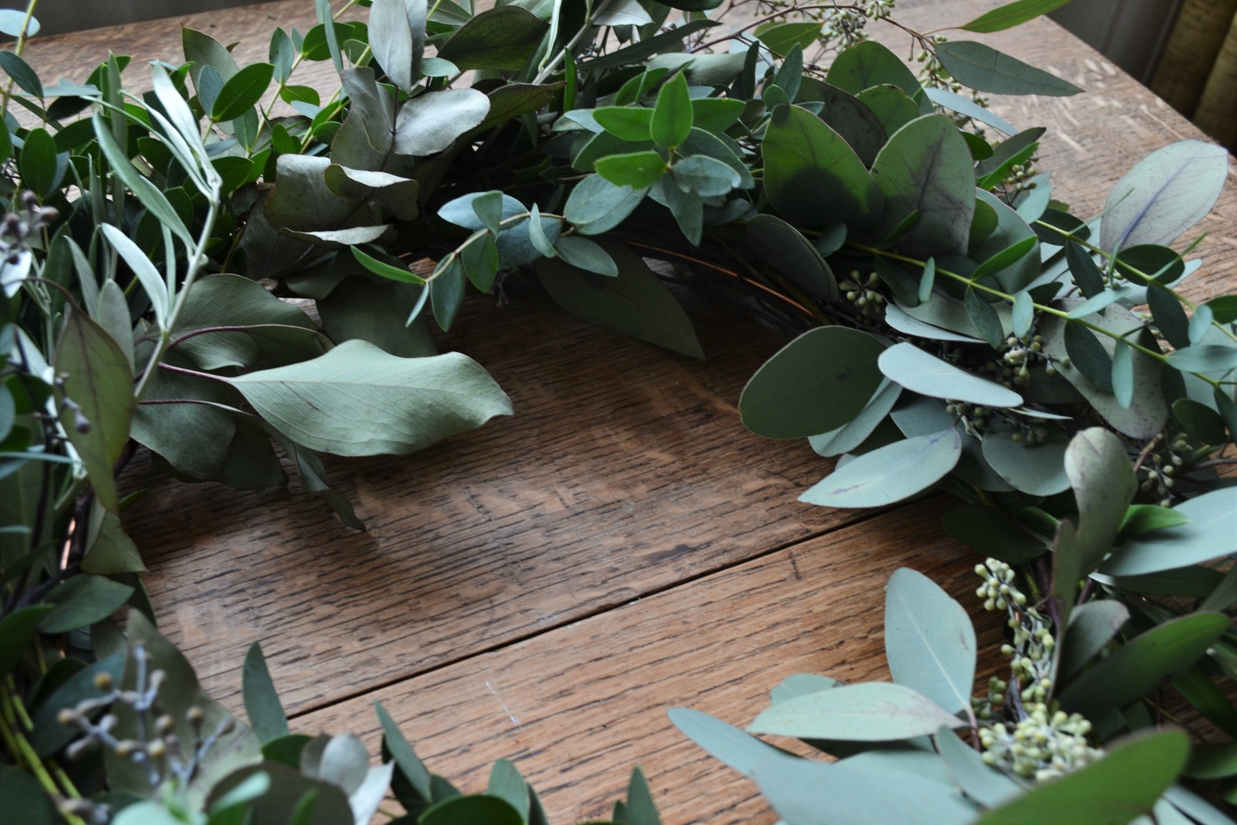 How-to-make-an-autumn-wreath-webb-and-farrer-brighton-flower-workshop (5).JPG