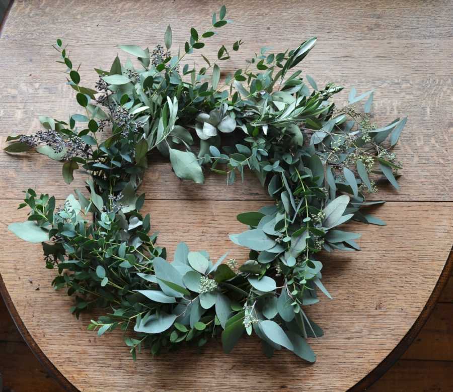 How-to-make-an-autumn-wreath-webb-and-farrer-brighton-flower-workshop (4).JPG